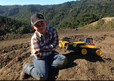 grading-colt-tractors